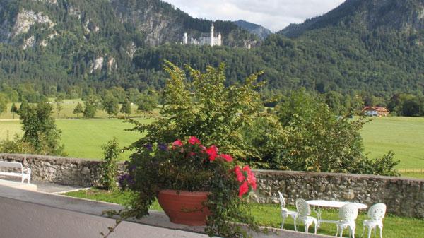 Schloß-Terrasse